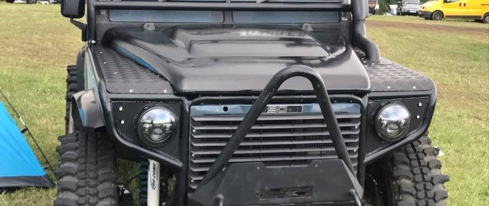 Land rover defender Roll cage and wings